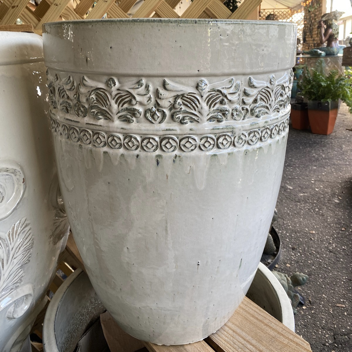 Ethans Courtyard and Patio Bonita Springs | Large White Plant Pots | Bonita Springs | Water Fountains, Wall Fountains, Mailboxes, and more | Pottery Store